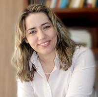 Advogada Renata França