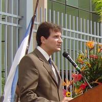 Alexandre T Cunha