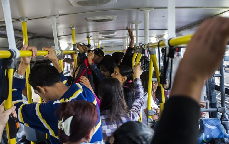 Videos De Encoxadas Em Mulheres Que Gostem Em Transporte Publico