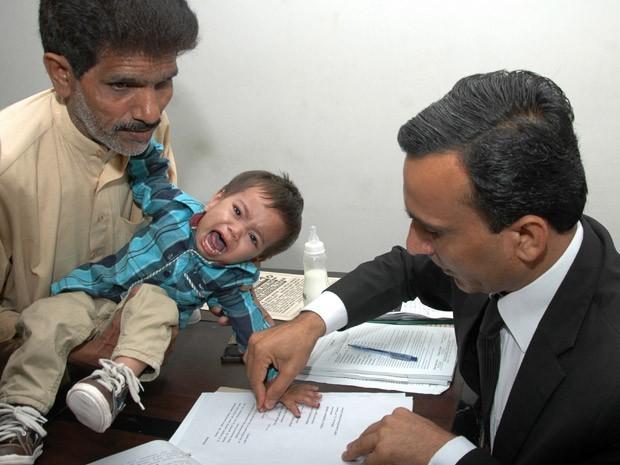 Beb acusado de tentativa de homicdio vira fugitivo