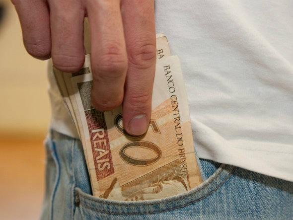 Blgica recomenda ter dinheiro para assaltante no Brasil