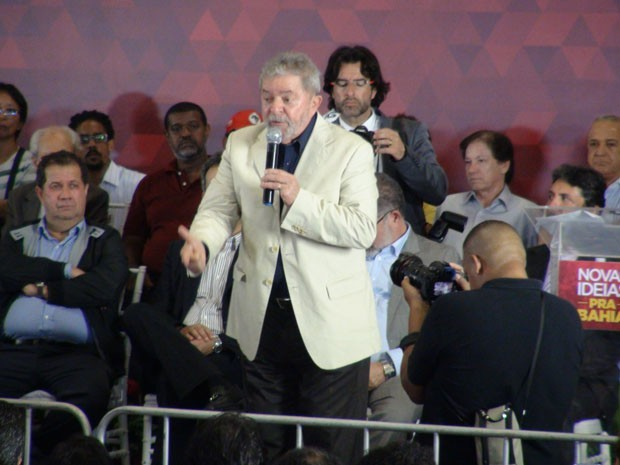 Lula cala a boca por favor